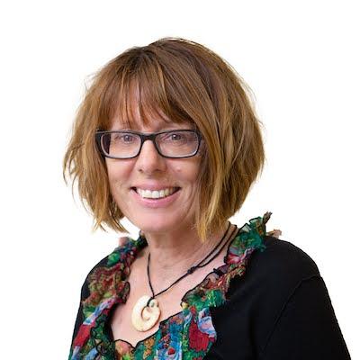Learn Bridge Online with Pam Livingston
